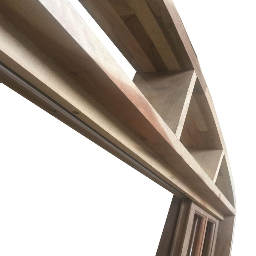 Porta Balcão de Correr de Madeira Itaúba Quadriculada em Arco Esquad - 1
