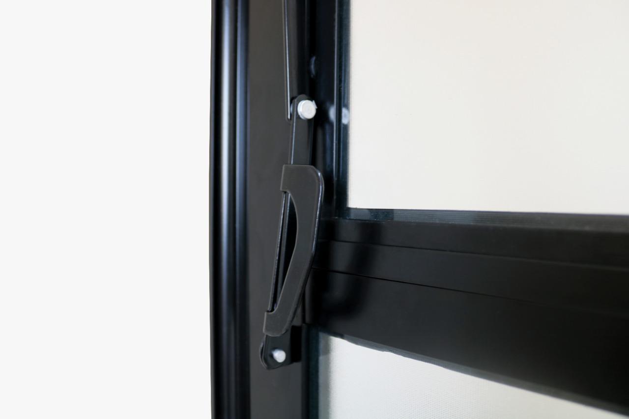 Porta de Alumínio Preto de Cozinha Basculante CMC Modular - Lado Dire - 1